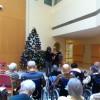 会場には大きなクリスマス・ツリーが