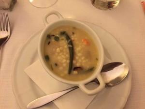 スープです。野菜など、結構具沢山