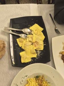 tortelliは季節によって中身が違います。cerryのものはシンプルな味付けにチーズをかけて食べるようです