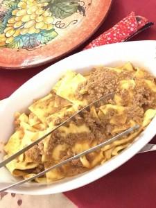 Pappardelle。ミートソースで食べるのが定番です。これはトマトも使わないシンプルなミートソース