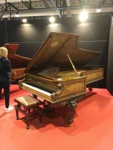 毎年、面白いピアノが出展されています