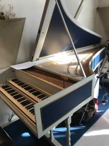 横田誠三さんのチェンバロ。響きが豊かで大きな音がする楽器です